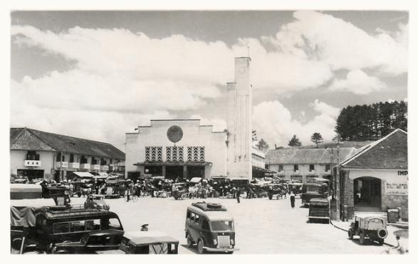 Đà Lạt chuyện khu Hòa Bình: Từ Chợ Cây xưa đến rạp Hòa Bình nay