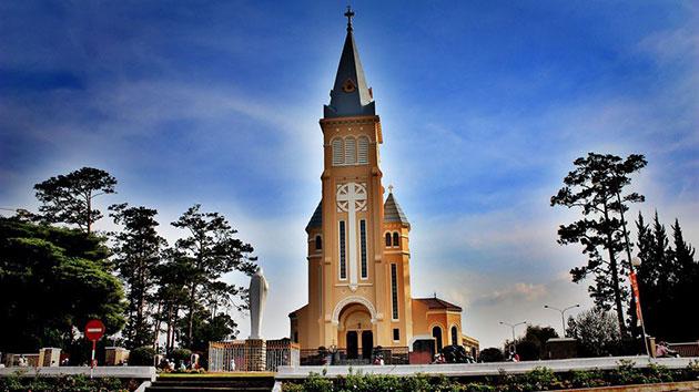 Nhà thờ chính tòa Đà Lạt-Nhà thờ Con Gà